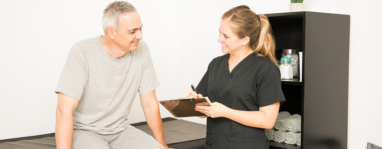 Man seeks out physical therapist to find arthritis pain relief